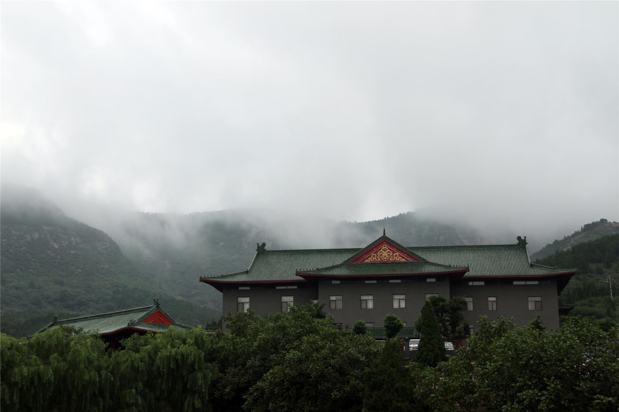 2仙境波罗峪之香山书院