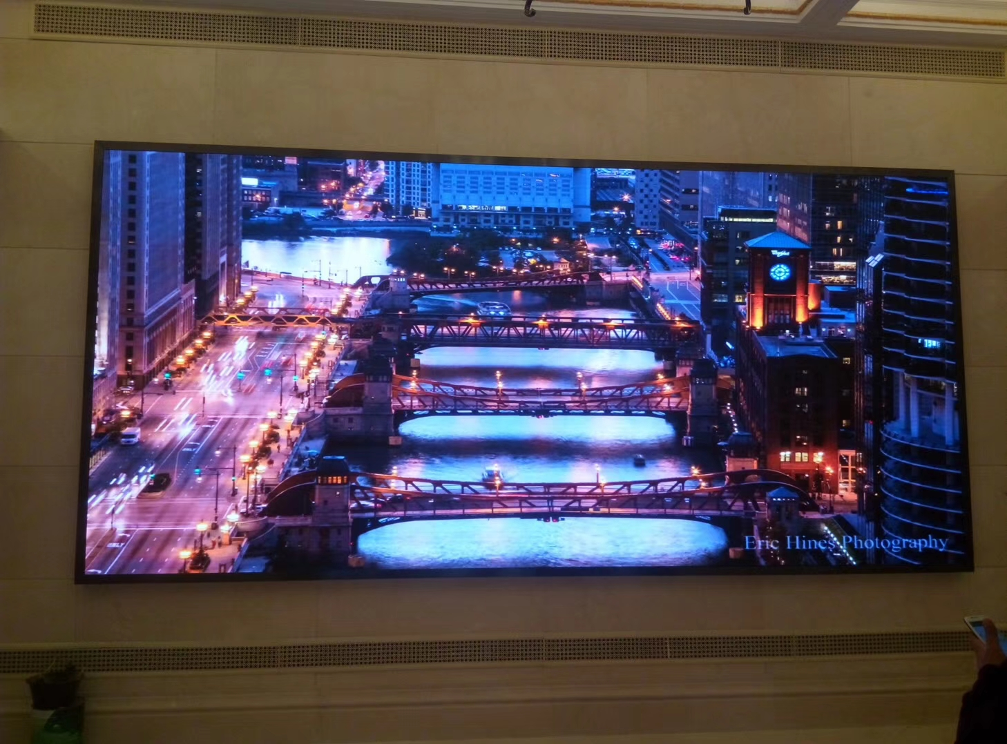 上海市黄浦区牛庄路中国大戏院室内P2全彩LED显示屏3