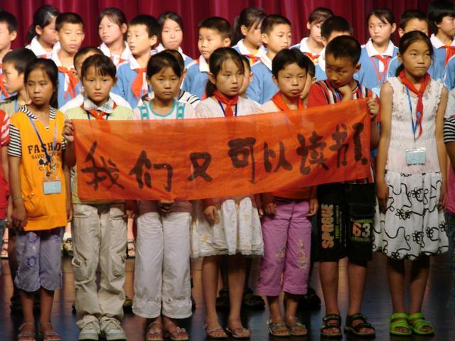 12孩子们在玉兰大剧院的演出震撼了所有的观众