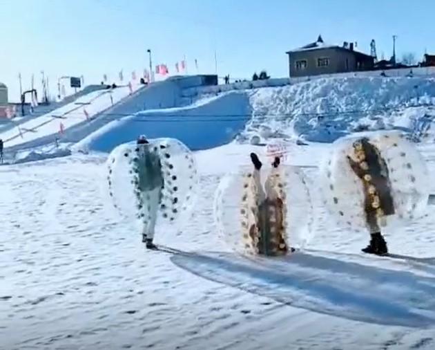 黑龙江北大荒滑雪场-碰碰球-2