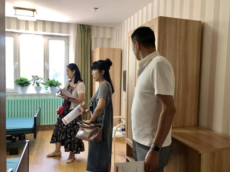 疆职业大学老年服务与管理专业教师来我院考察-职大考察05