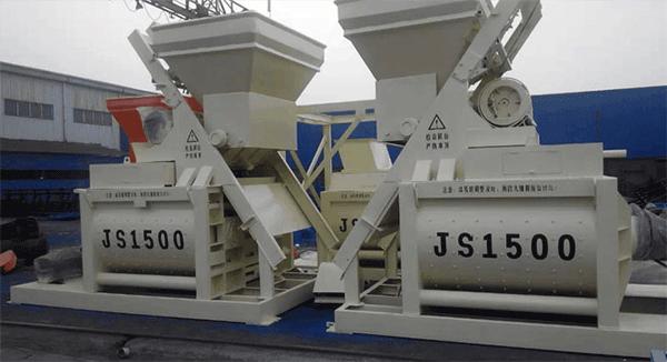JS1000型强制搅拌机偏上料
