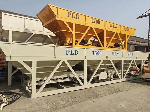 四川厂家混凝土配料机图片