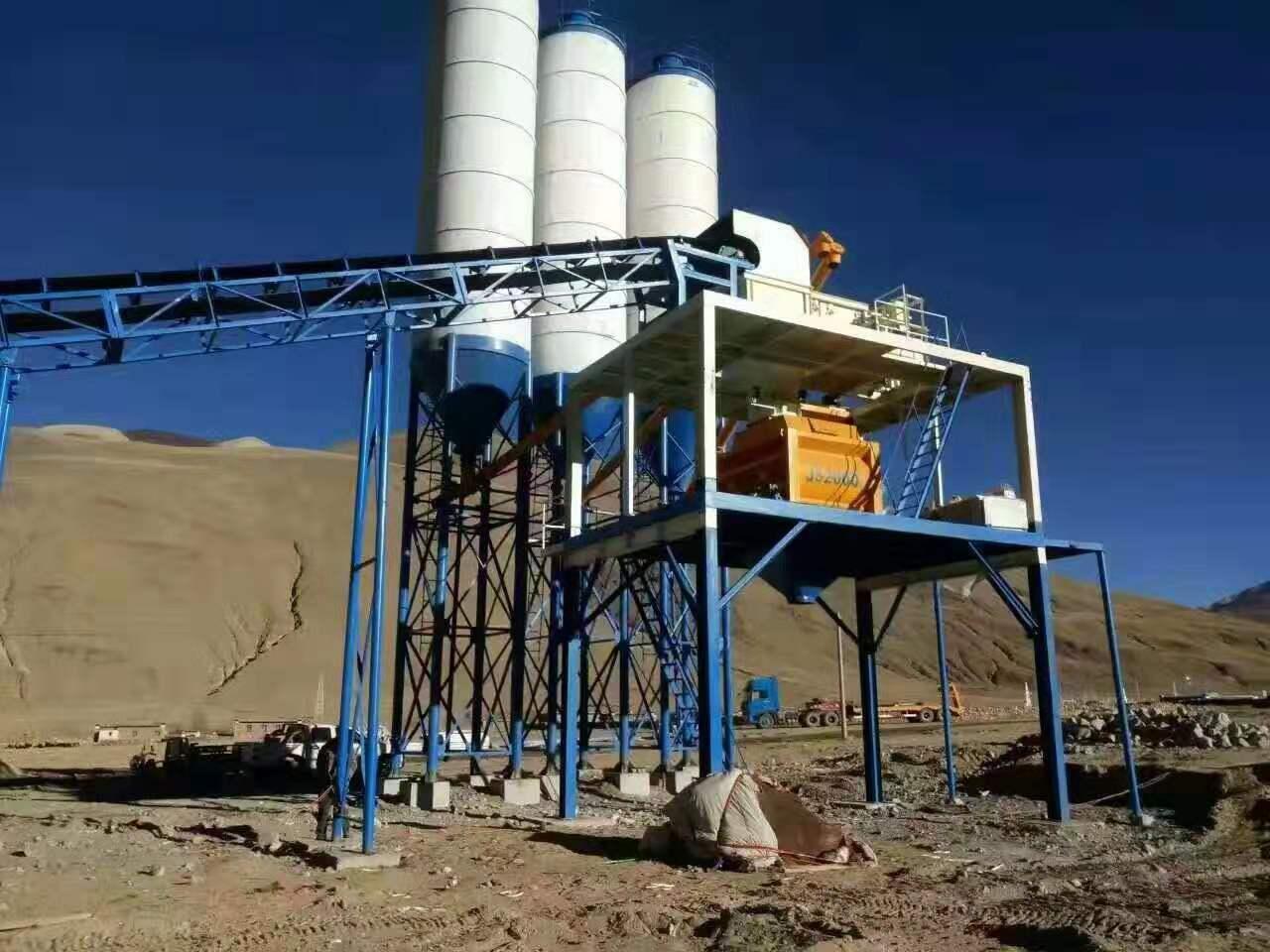 西藏日喀则HZS120型混凝土搅拌站现场