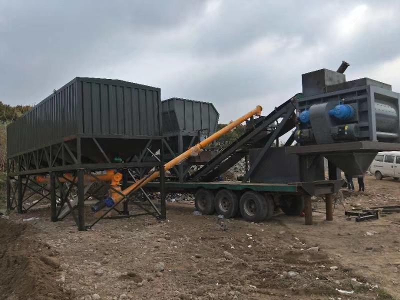 安徽蚌埠YHZS型强制移动混凝土搅拌站现场