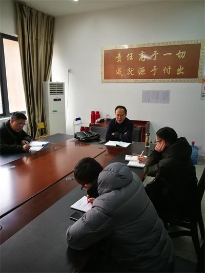 2朱斌校长和被听课教师交流