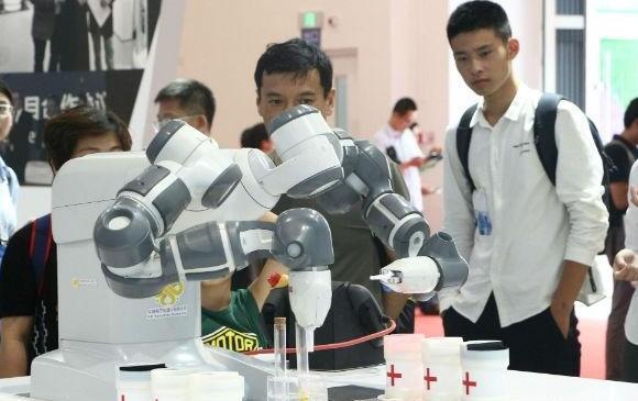 眼科手术机器人