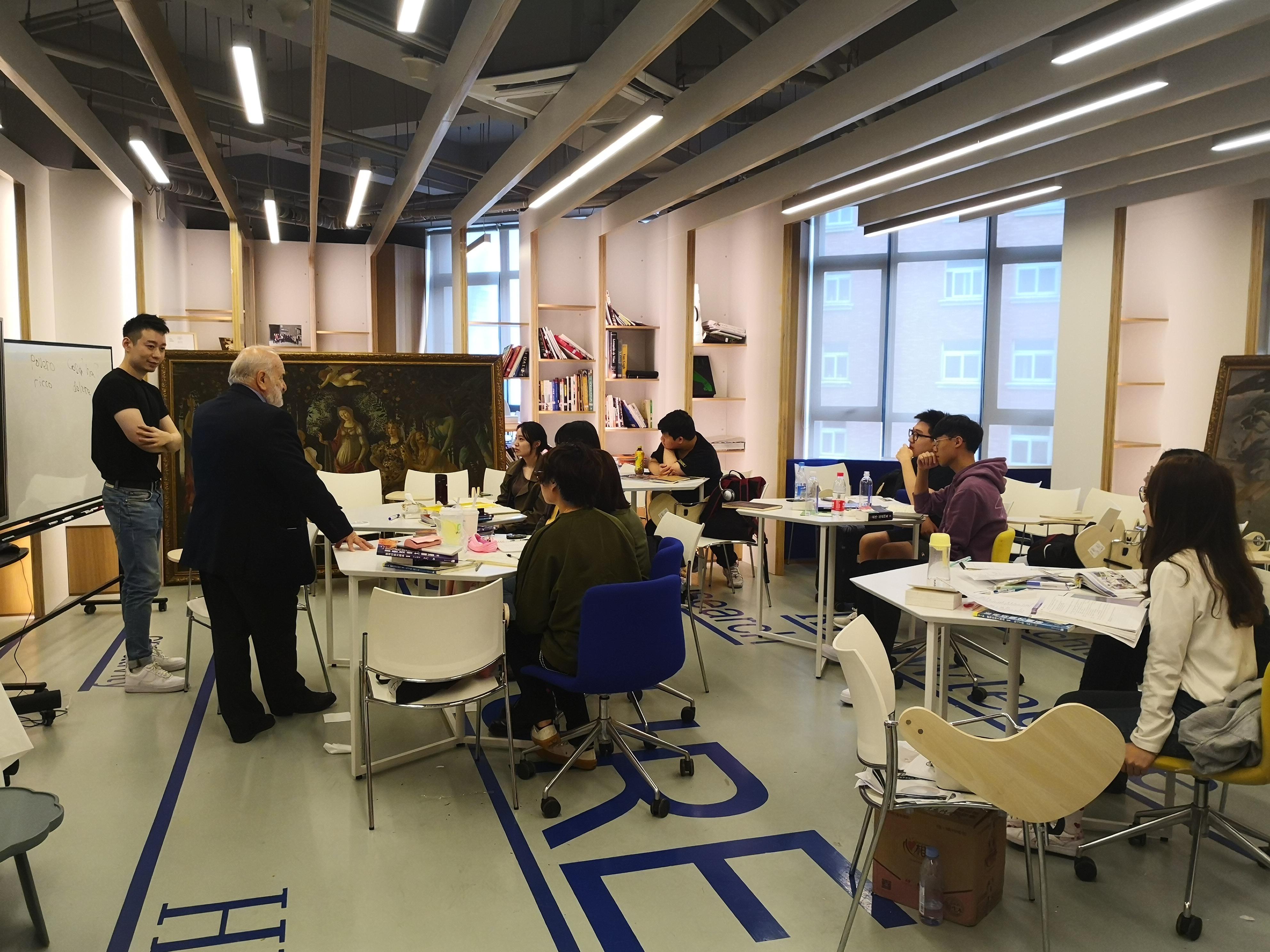 意大利国家文化联合会授权代表访问上海文创高等进修学院1