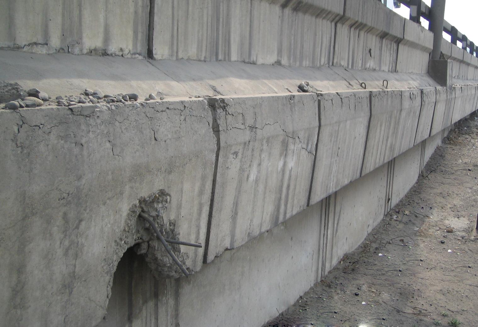 橋梁裂縫2