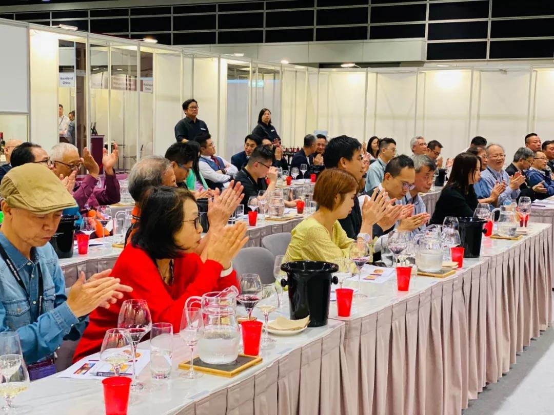 香港美酒展期间落下实锤:香港与宁夏两地强强联手发展葡萄酒贸易-10