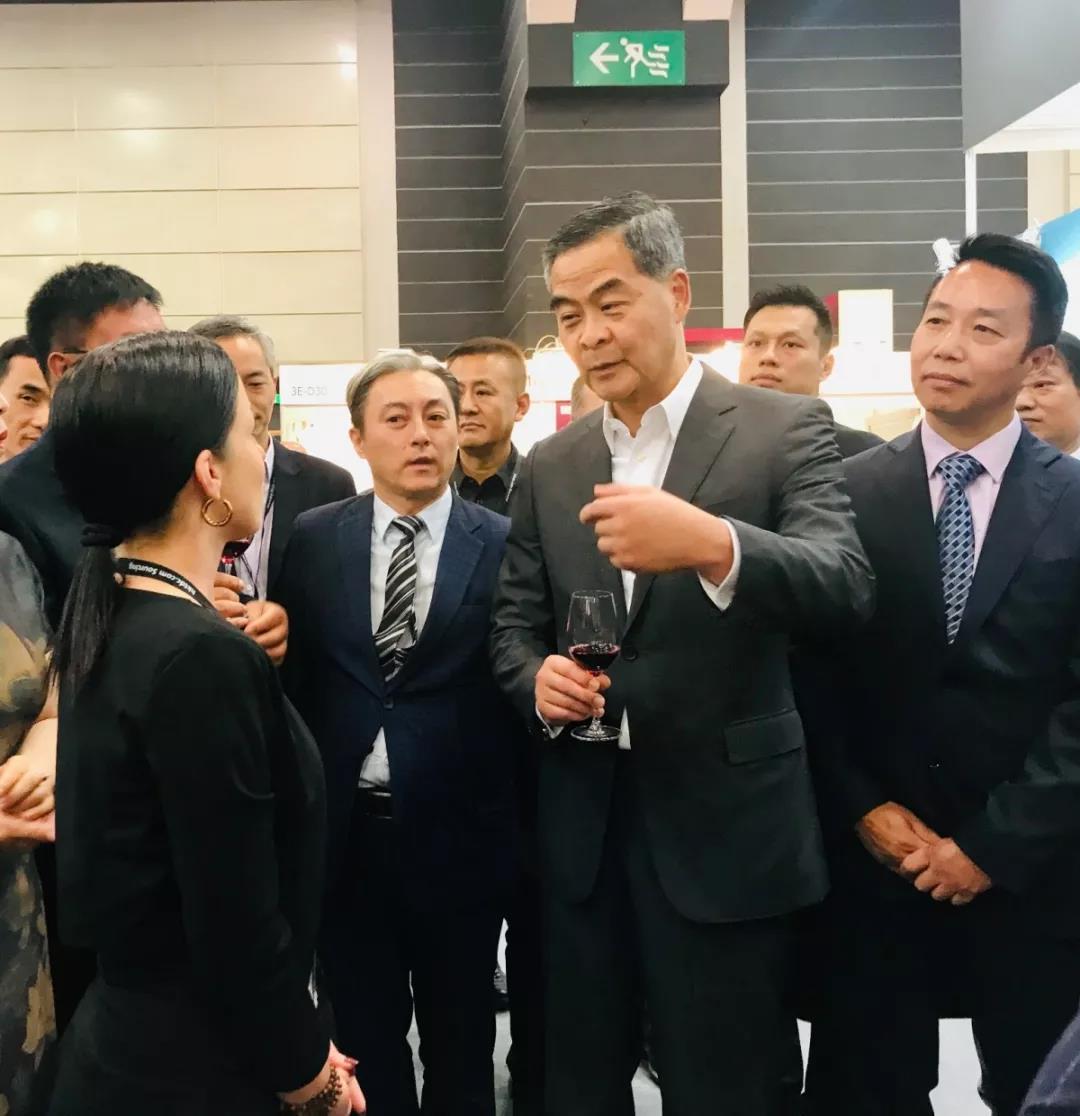 香港美酒展期间落下实锤:香港与宁夏两地强强联手发展葡萄酒贸易-13