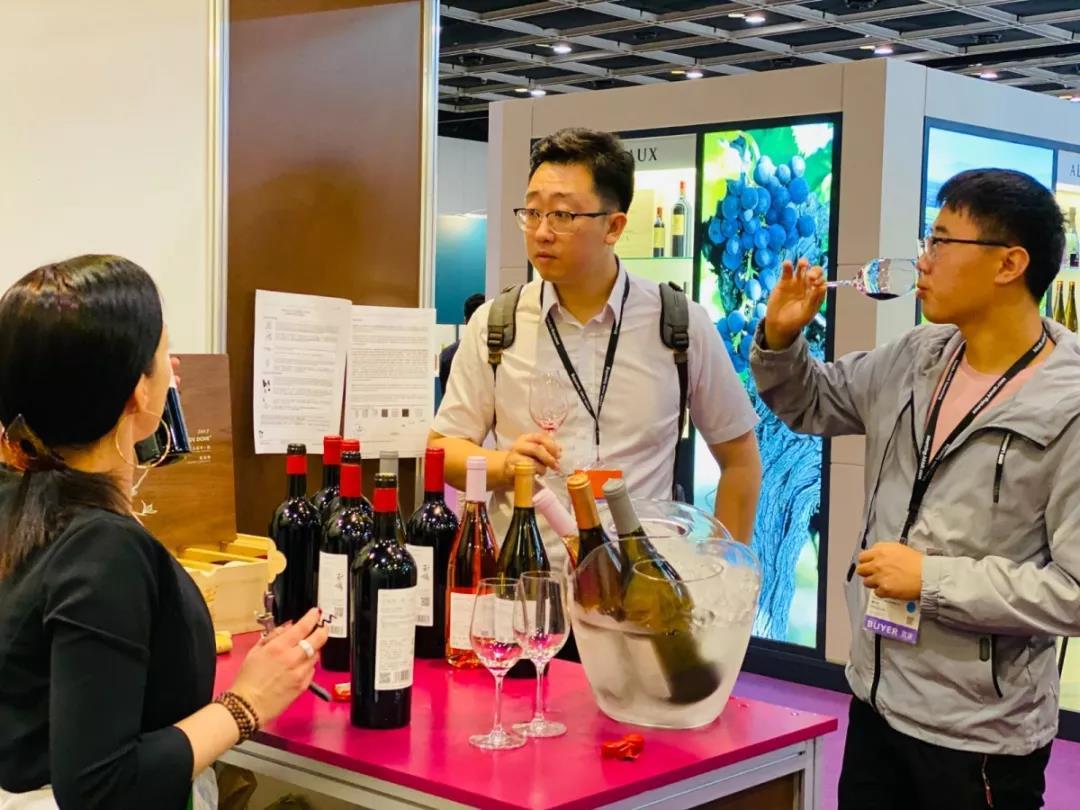 香港美酒展期间落下实锤:香港与宁夏两地强强联手发展葡萄酒贸易-4