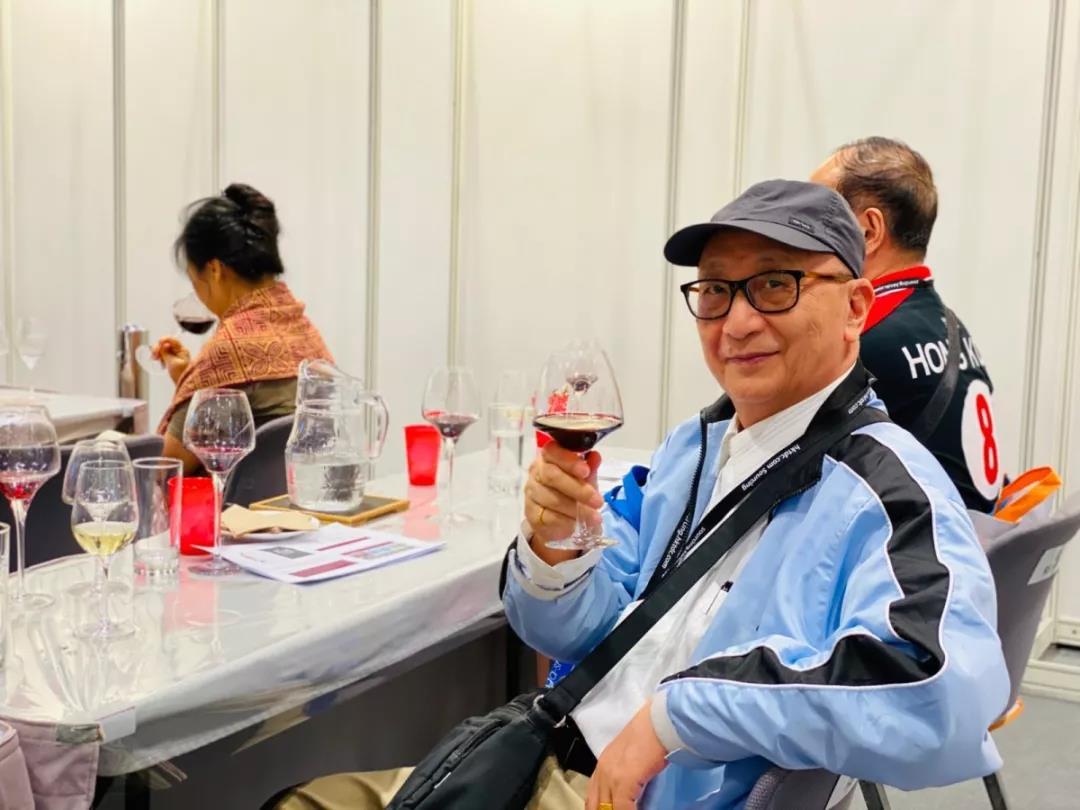 香港美酒展期间落下实锤:香港与宁夏两地强强联手发展葡萄酒贸易-9