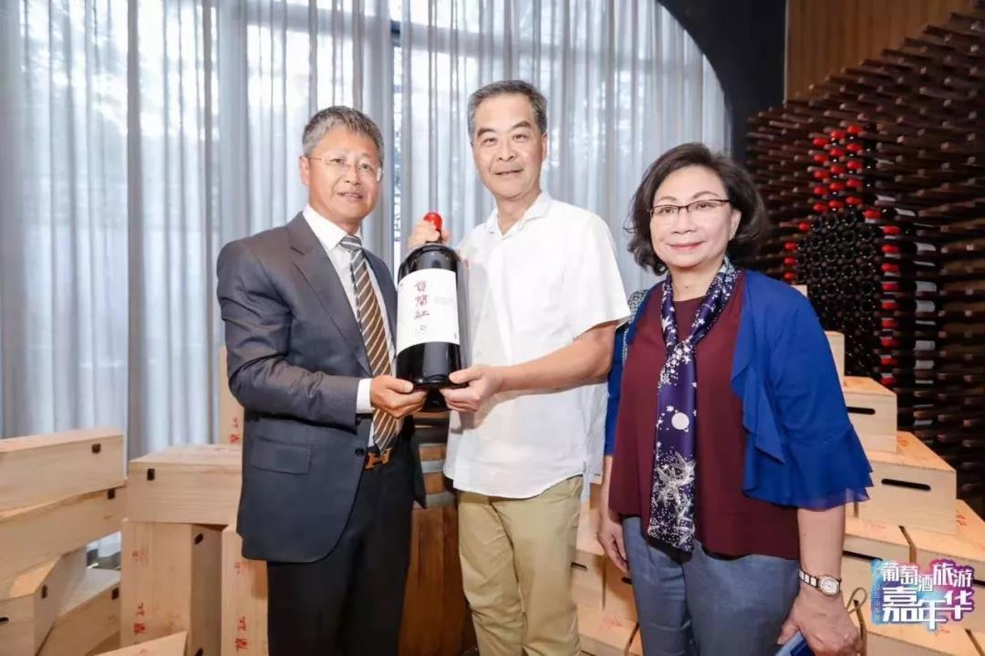 3个月接待500-经销商,葡萄酒周边产品堪比名庄,宁夏西鸽酒庄如何玩转体验营销?-2