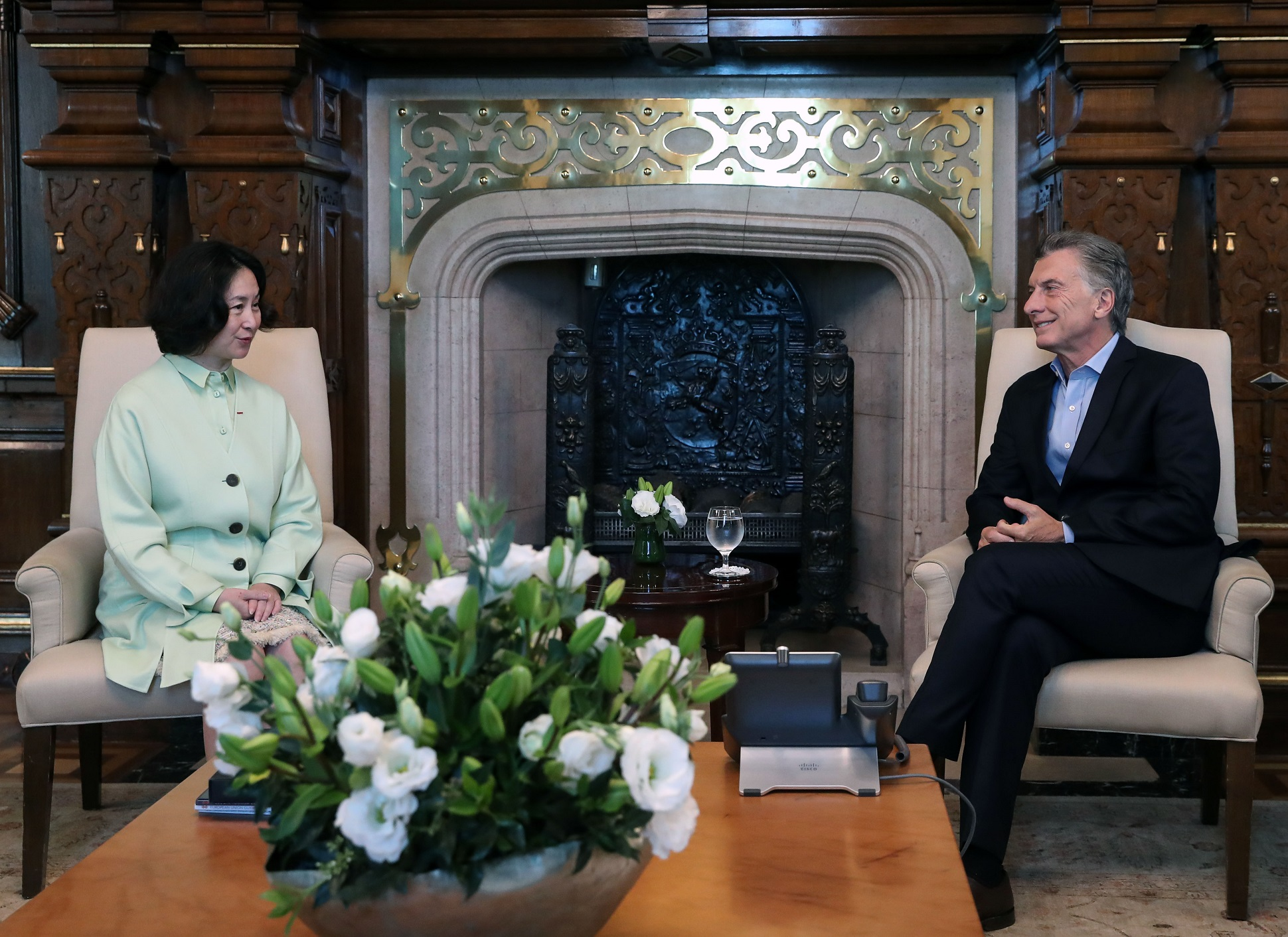 何超琼会长会见阿根廷总统毛里西奥·马克里