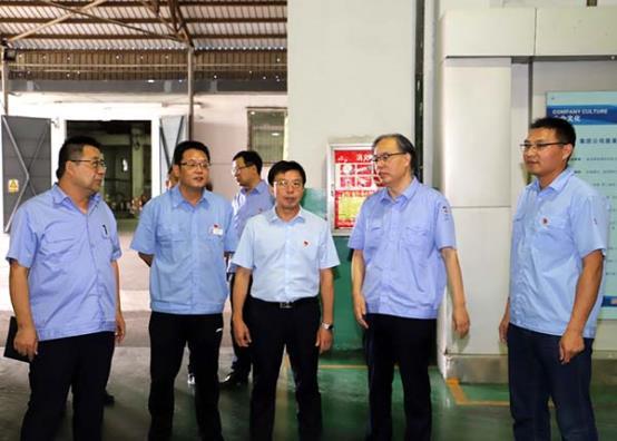 集团党委宣传部部长吴跃峰到工程塑料公司检查党的建设高质量发展和-2-