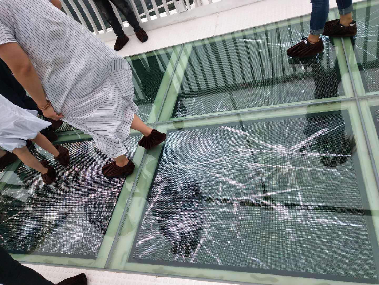 玻璃栈道碎裂特效