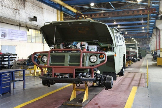 Military vehicle assembly line