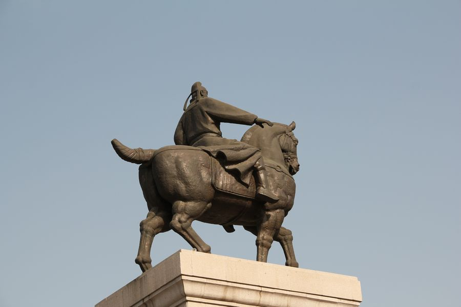 考察西安雕塑制作厂的方法有哪些-190216