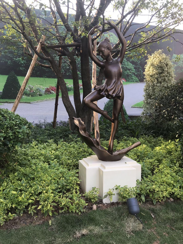 舞蹈人物雕塑玻璃鑄銅雕塑2