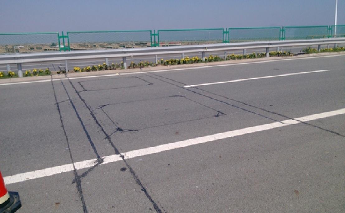 产品展示-公路-桥梁载荷监控称重系统-t