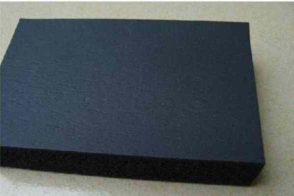 3公分厚b1级难燃橡塑保温板1立方米多少钱?