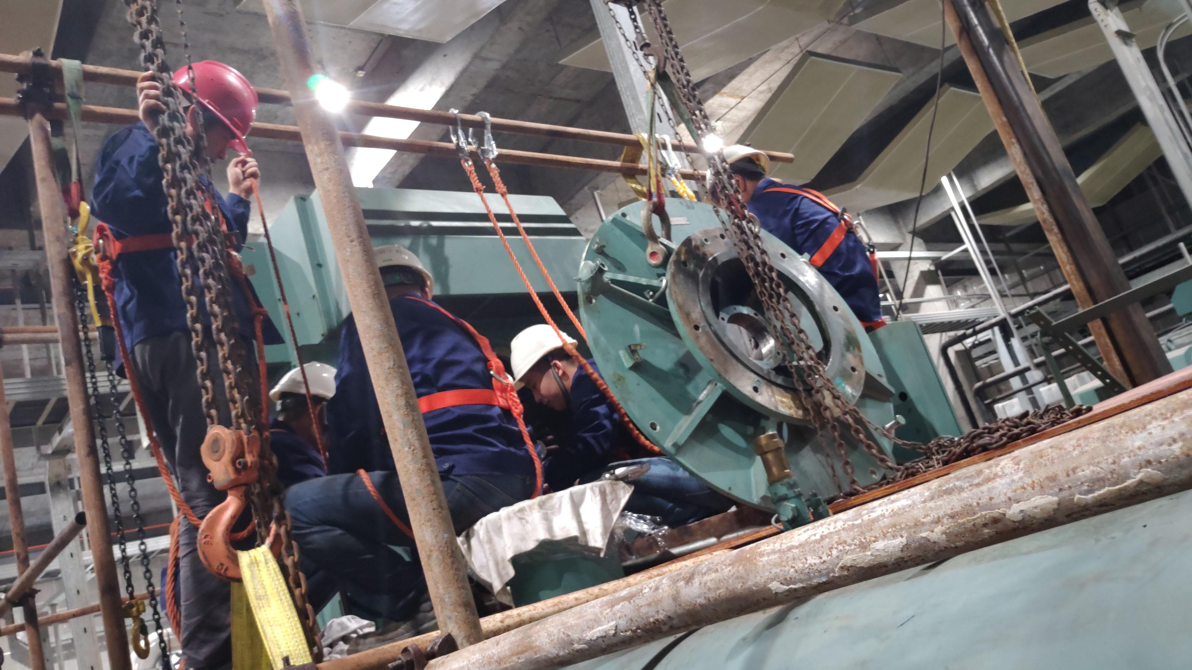 约克压缩机吊装3