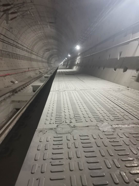地鐵疏散平臺條形花紋RPC1