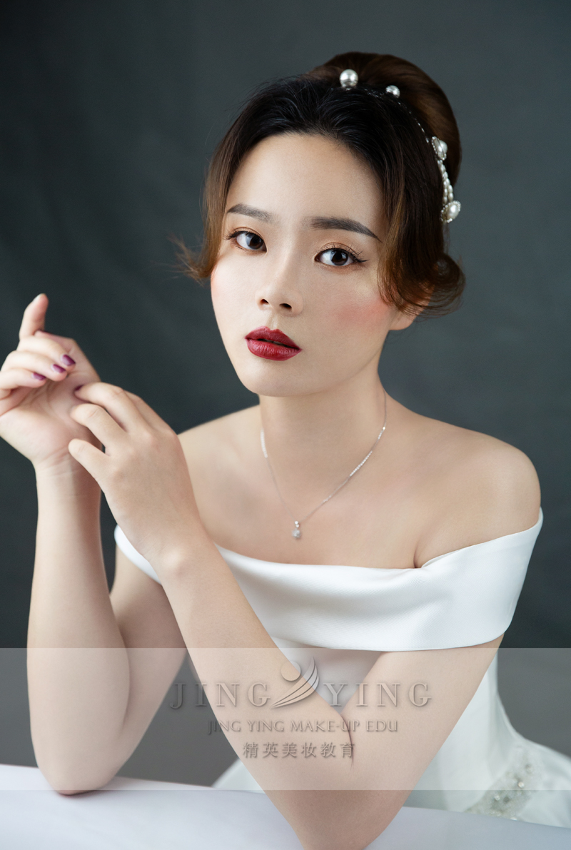 精英美妆教育培训学校化妆美妆作品2