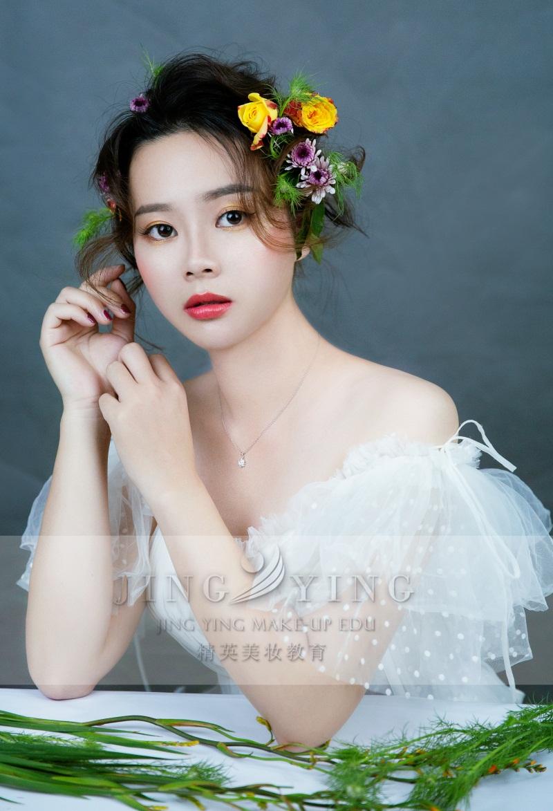 精英美妆教育培训学校化妆美妆作品3