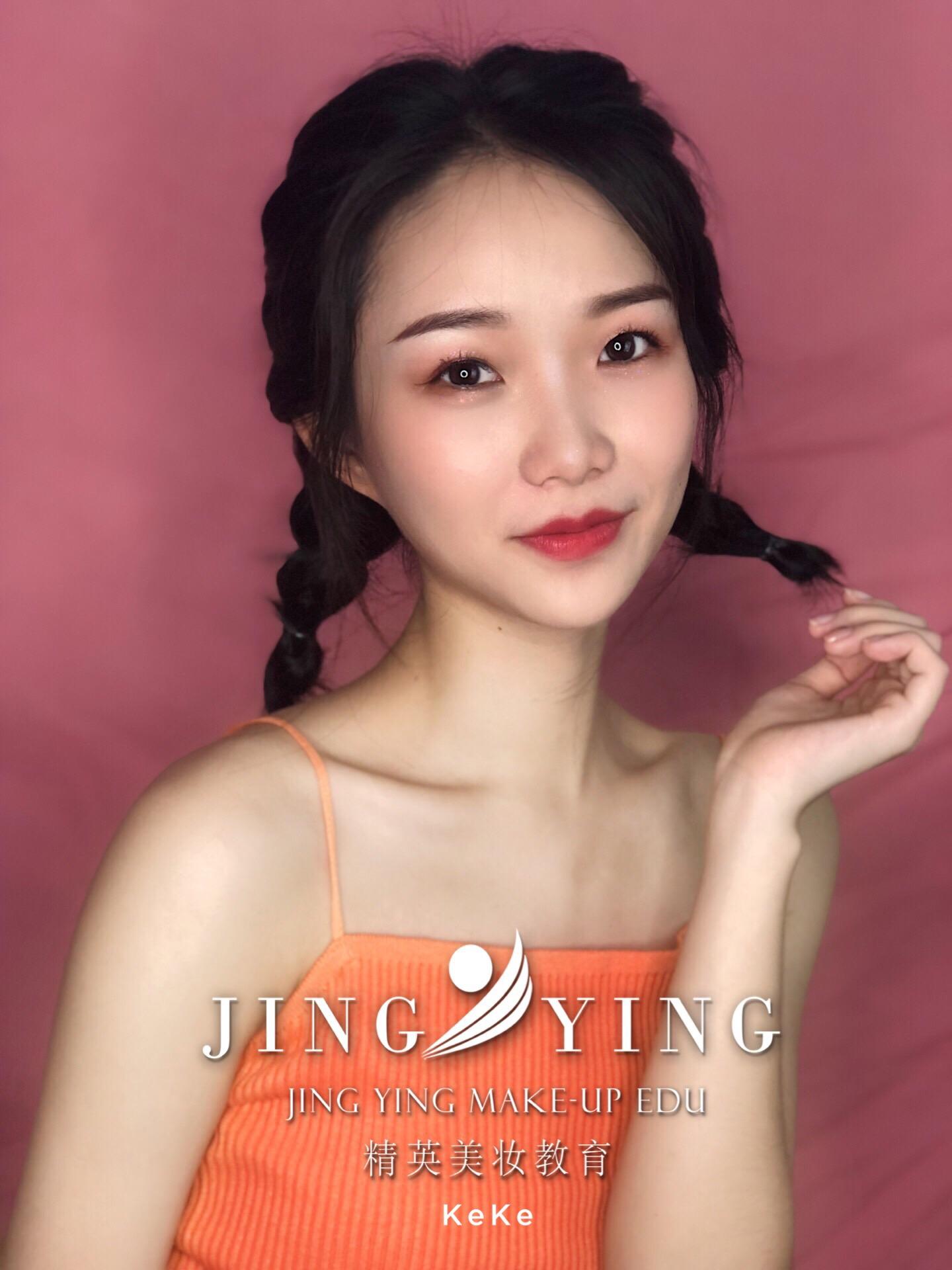 少女妆容造型化妆作品图片4
