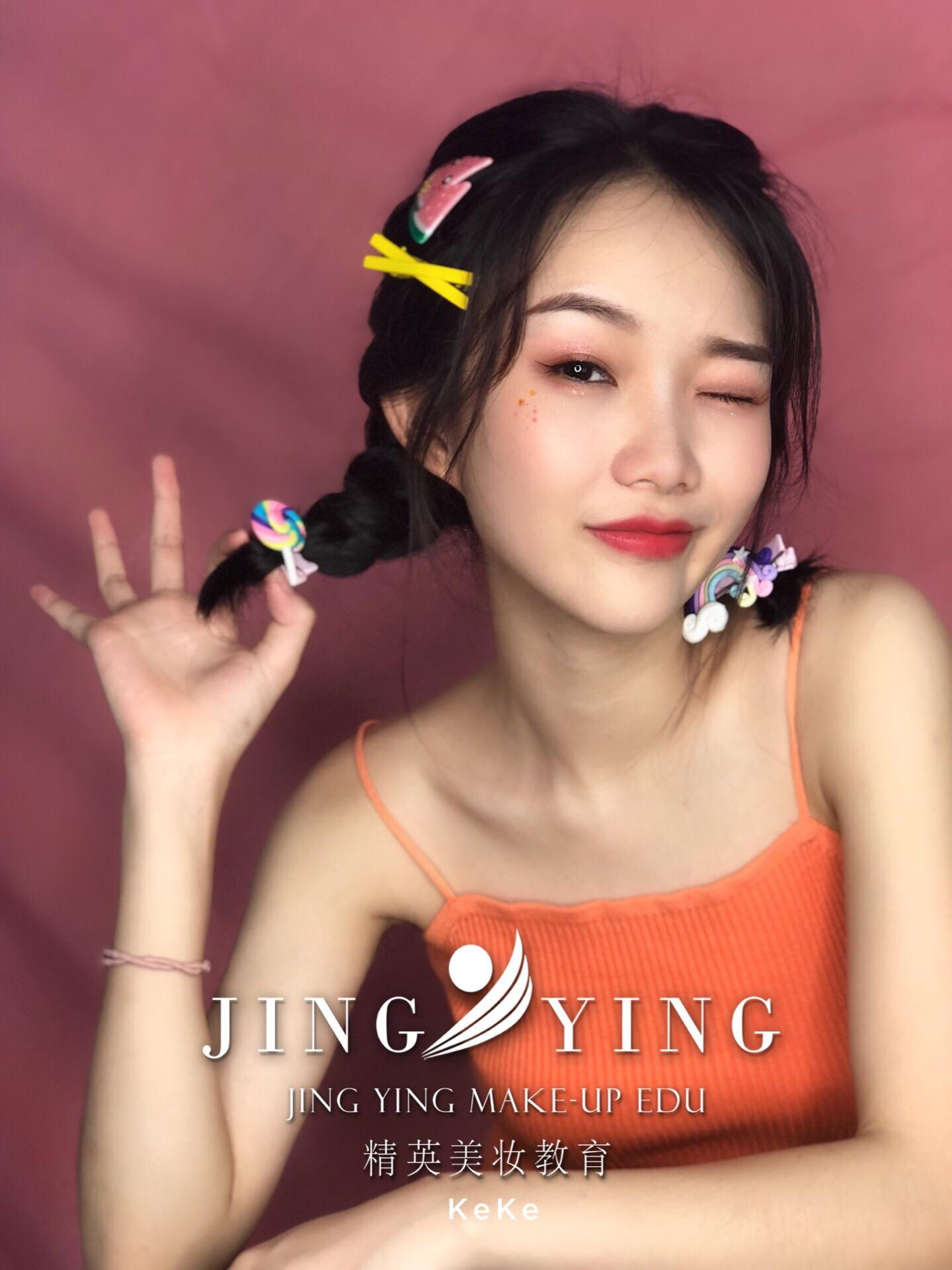 少女妆容造型化妆作品图片3