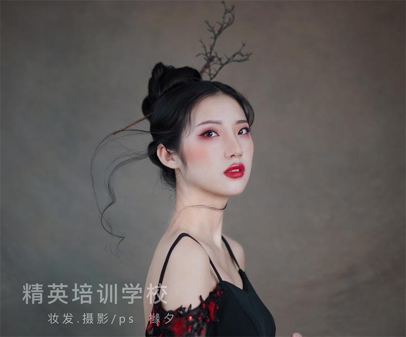 國潮輕古風化妝作品圖片