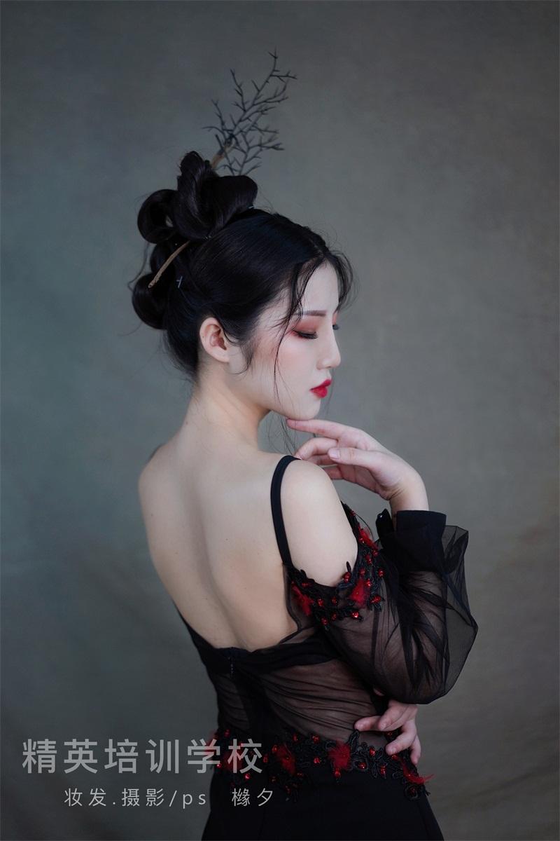 国潮轻古风化妆作品图片