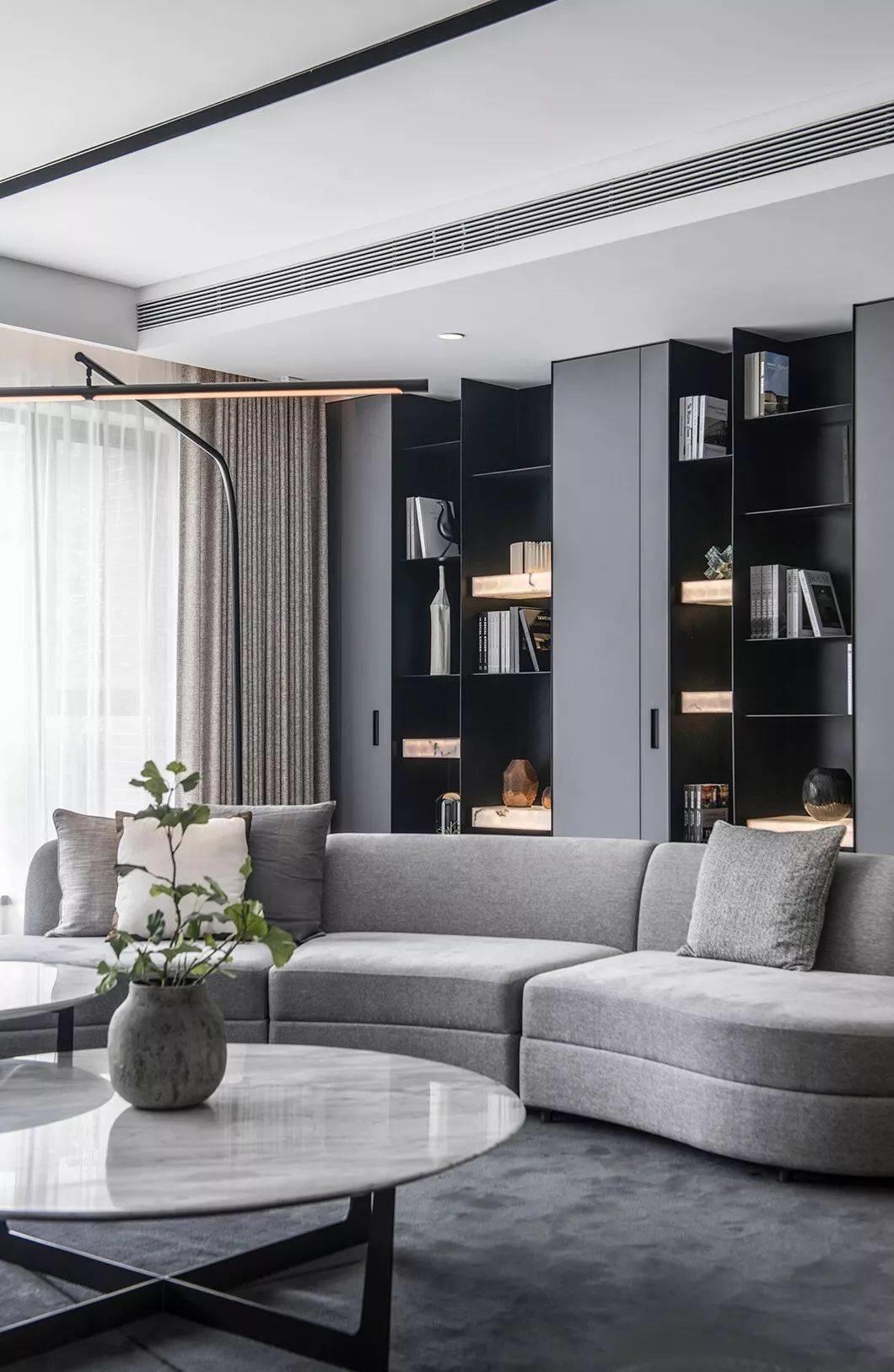 别墅软装中沙发摆放的原则也需遵循风水